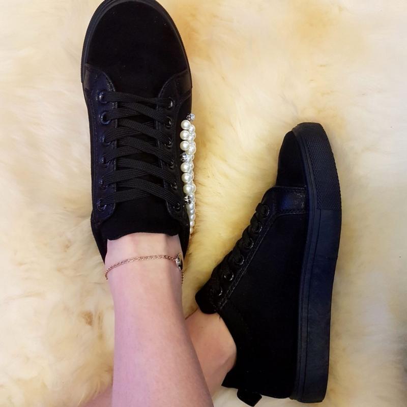 Pärlitega jalatsid