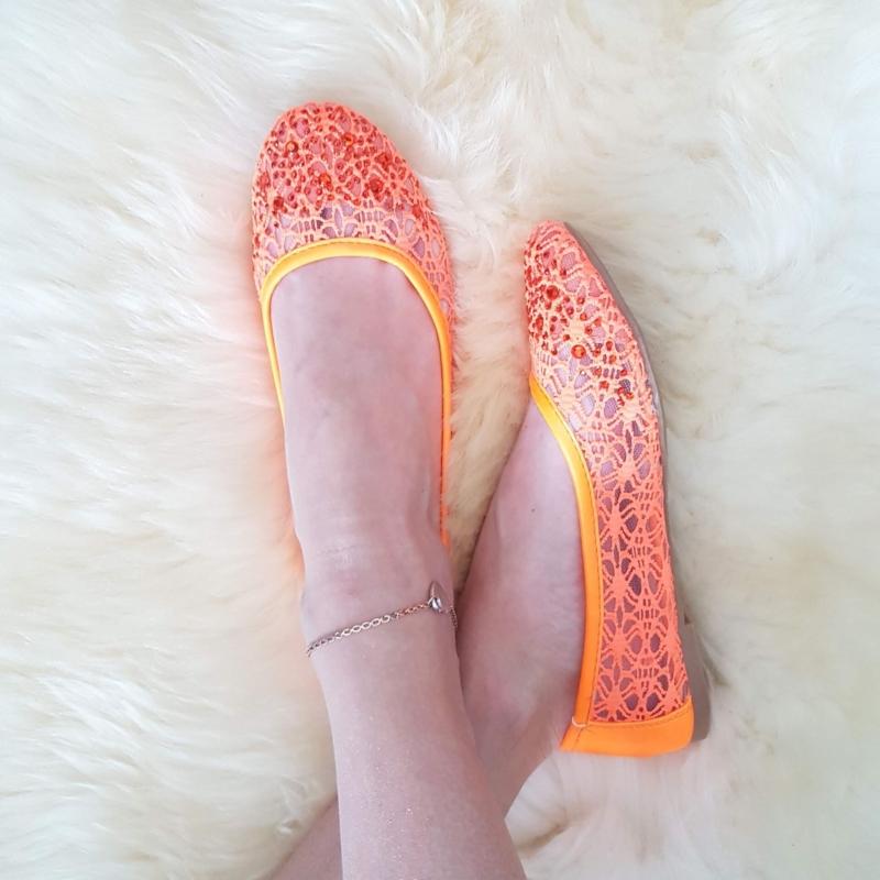 Kivikestega baleriinad, oranž
