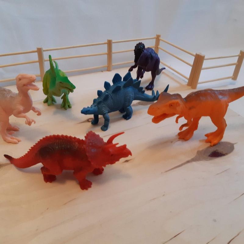 """Komplekt """"Dinosaurused"""""""
